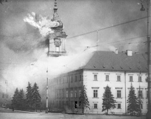 The_Royal_Castle_in_Warsaw_-_burning_17.09.1939